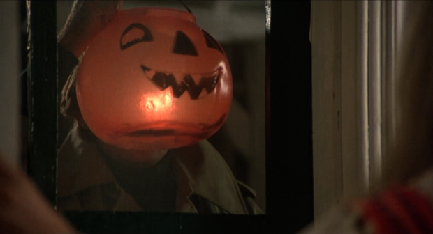 The-Little-Girl-Who-Lives-Down-the-Lane-Martin-Sheen-jack-o-lantern