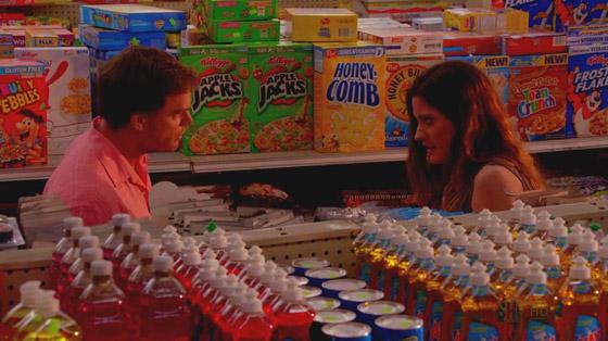 Dex & Deb maken ruzie in de supermarkt.