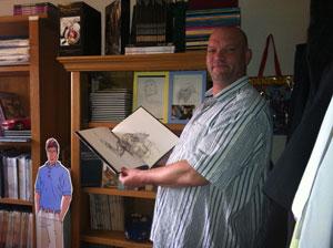 Kees en zijn Don Lawrence-verzameling.