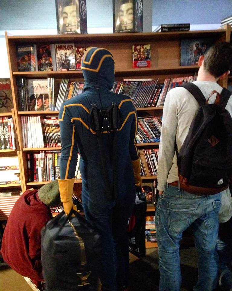 Kick-Ass shopt ook bij the American Book Center.