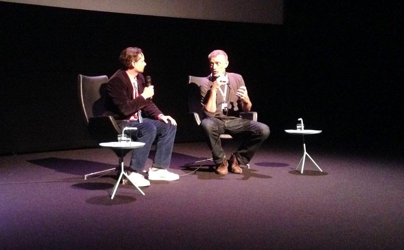 Roloff de Jeu interviewt Kroon tijdens de Q&A.