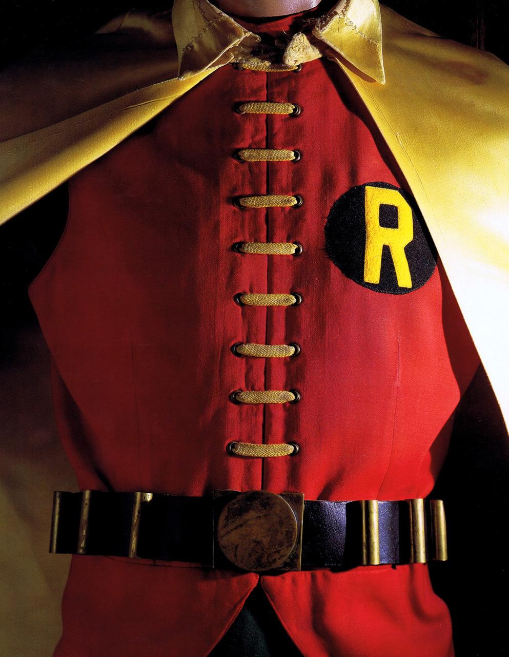 robin-kostuum-burt-ward