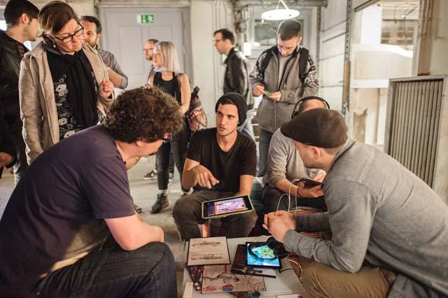 Sutu tijdens een workshop.