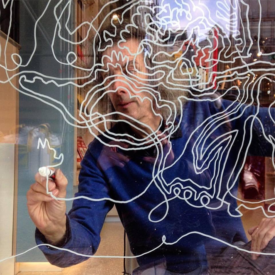 wasco tekent op raam